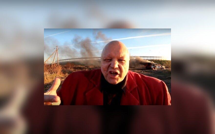 """Скандалист Барецкий во славу импортозамещения сжег BMW и пересел на """"Жигули"""""""