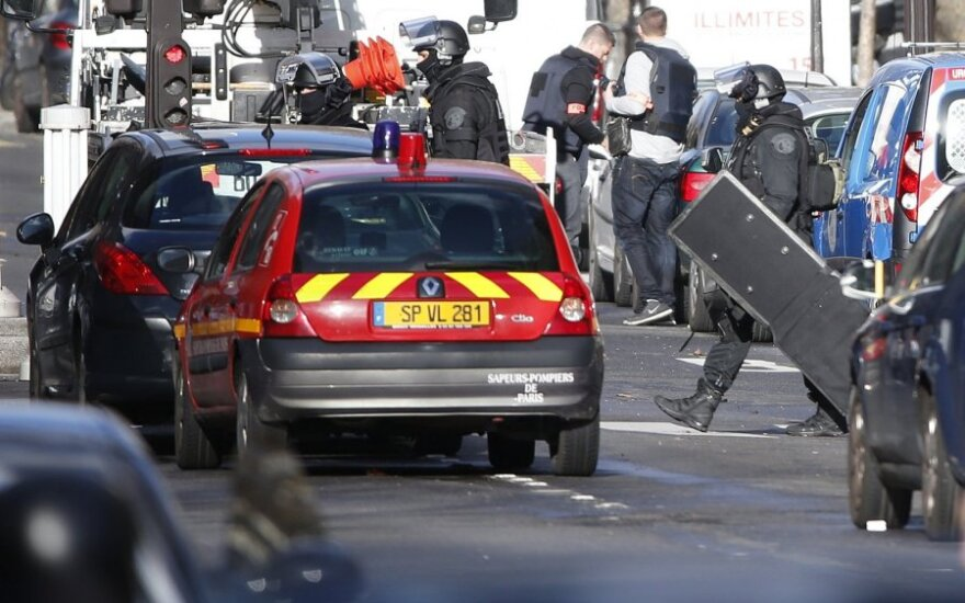 В Париже застрелили человека, пытавшегося проникнуть в полицейский участок