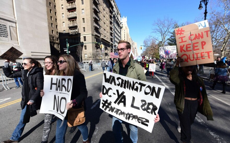 Protestai prieš JAV prezidentą