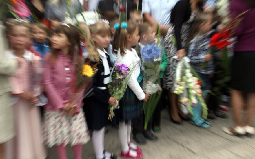 День знаний в школах – без массовых праздников: придется соблюдать жесткие рекомендации