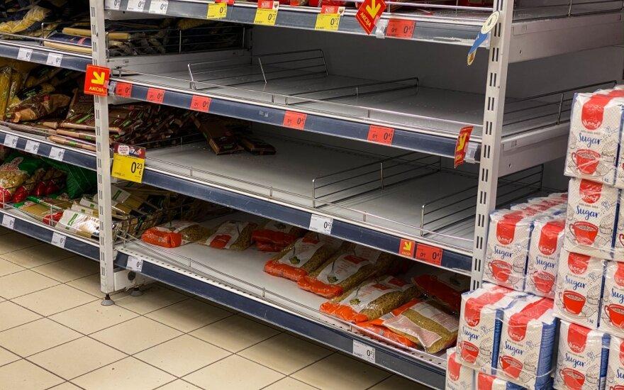 В Шяуляй паники нет, но люди скупают некоторые продукты