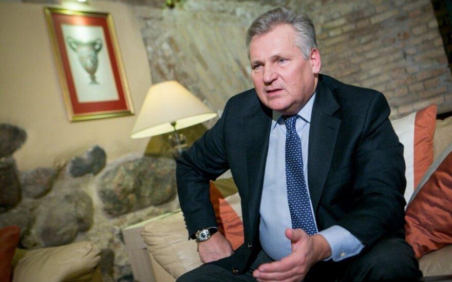 Экс-президент Польши: межгосударственные соглашения нужно выполнять