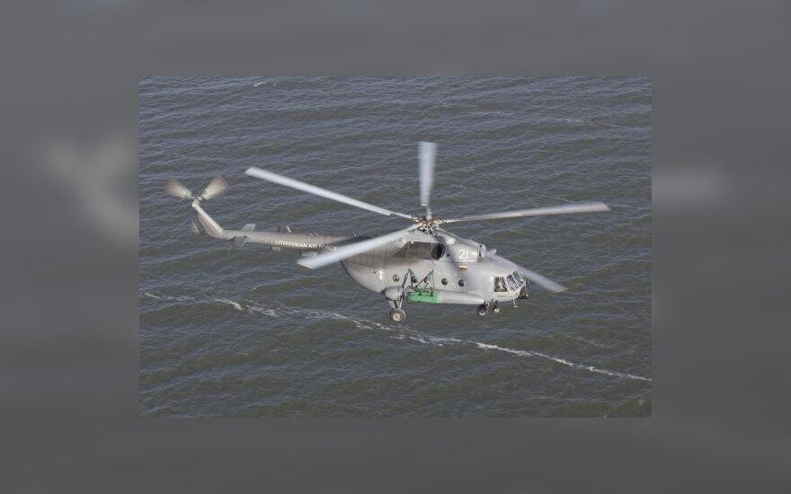 Больного пассажира парома увезли на вертолете