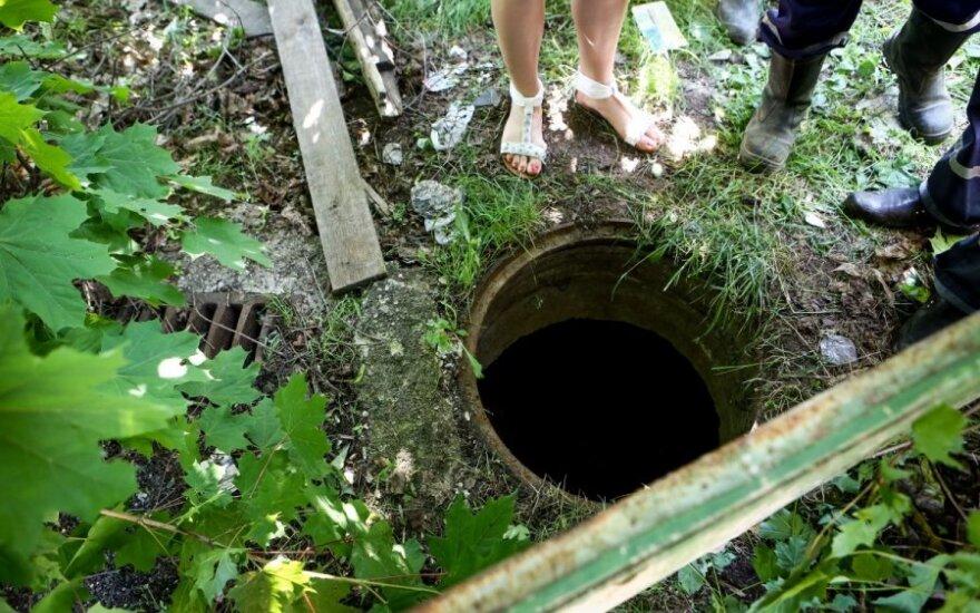 W Wilnie kobieta wpadła do studzienki kanalizacyjnej
