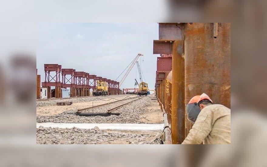 Студентов МГУ решили послать на строительство Керченского моста