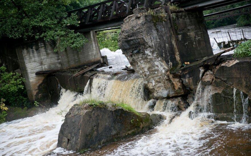 В Бельмонтасе рушится плотина