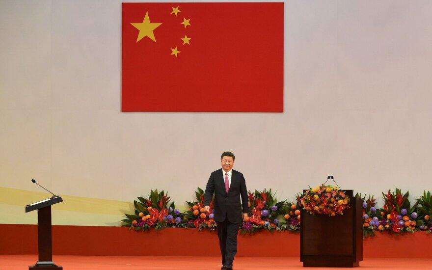На фоне беспокойства из-за торговых войн Трампа президент Литвы едет в Китай