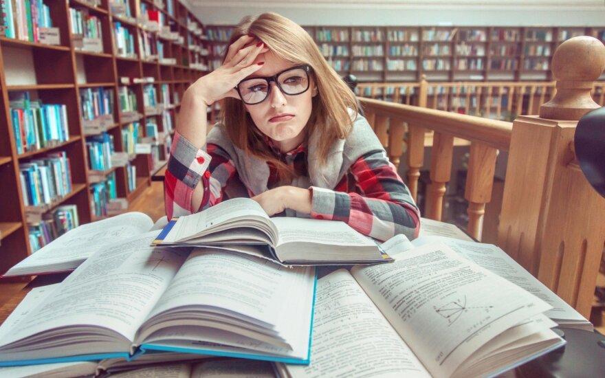 Около трети студентов частных вузов в Латвии учатся на русском языке