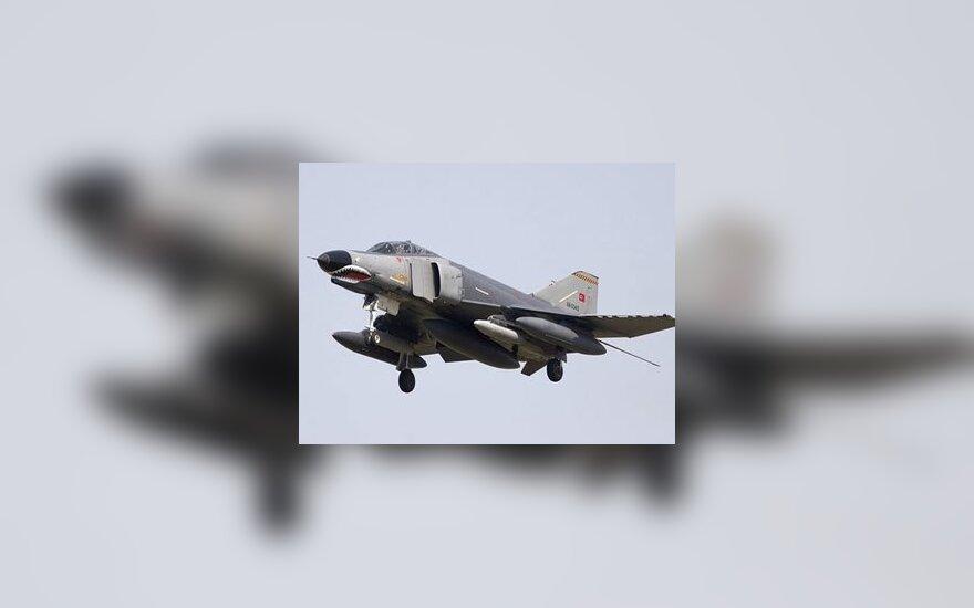 F4 турецких ВВС. Фото с сайта flightglobal.com