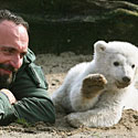 Knutas su prižiūrėtoju Thomasu Doerfleinu