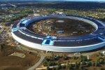 """Kosminį laivą primenanti nauja """"Apple"""" būstinė – iš paukščio skrydžio"""