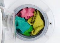 Kodėl viešbučiuose rankšluosčiai minkšti ir purūs, o namuose – tarsi švitrinis popierius?