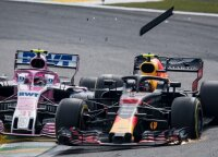 Aistros Brazilijoje: pirmavusį Verstappeną taranavo atsilikęs pilotas