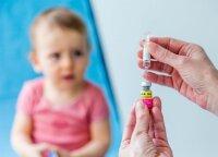 Kas dešimtas iš tėvų nuo šios ligos savo vaikų skiepyti neketina: medikai ragina nerizikuoti