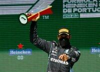 Hamiltonas Portugalijoje grąžino skolą Verstappenui