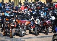 """Tarp Vilniaus ir Kauno 500 motociklininkų ieškojo """"Mažvydo kodo"""""""