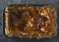 Sotus vištienos ir pievagrybių pyrago receptas
