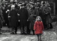 Tikroji mergaitės su raudonu paltu, kuri liko gyva Krokuvos gete, istorija