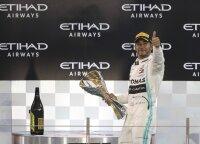 Dominavęs čempionas Hamiltonas sezoną baigė pergale ir rekordu