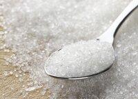 Cukrus buityje nepamainomas pagalbininkas: naikina kenkėjus, valo dėmes, mažina skausmą