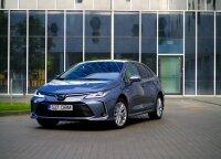 """Hibridinio """"Toyota Corolla"""" sedano testas: kas nutiko su populiariausiu pasaulyje automobiliu"""