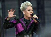 Koronavirusu užsikrėtė Pink: dainininkė sukritikavo JAV valdžią, žada paaukoti milijoną dolerių