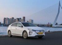 """Pirmieji kilometrai su atnaujintu """"Hyundai Ioniq Electric"""": skaičius, atrodęs neįmanomu"""