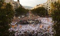 Situacija Ispanijoje kaista: didžiulė minia išėjo į gatves