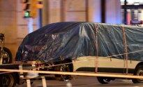 """""""Las Ramblas"""" aikštėje į pėsčiuosius įvažiavęs sunkvežimis"""