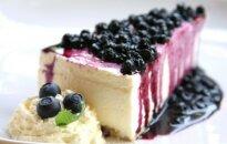 Pyragas su mėlynėmis ir juodaisiais serbentais