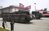 Šiaurės Korėja nežada sustoti – ketina išbandyti raketą, kuri galėtų pasiekti net Niujorką