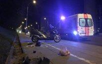 Vilniuje vėlų vakarą žuvo su automobiliu susidūręs motorolerio vairuotojas