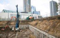 Verslas piktinasi vyriausybės pristabdytomis viešbučių statybomis