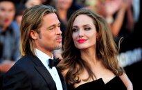 Pirmąkart apie skyrybas su B. Pittu viešai prakalbusi A. Jolie nesulaikė ašarų