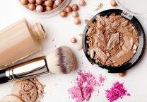 Kaip naudoti makiažo pagrindą, kad jis sukurtų nepriekaištingos odos įspūdį