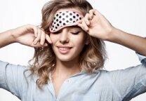 Naktinis odos šveitimas: lygesnė ir skaistesnė oda, kol miegi