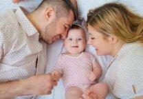13 psichologės patarimų, kad poros santykiai po vaiko gimimo sustiprėtų