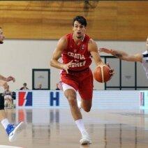 Su kamuoliu – Dario Šaričius