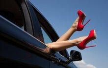 Mitas, kad pėdas deformuoja tik aukštakulniai bateliai