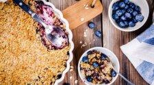 Paprastas trupininis uogų pyragas