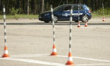 Vairavimo egzamino iš pirmo karto neišlaikę vairuotojai pavojingesni?