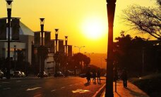 Vakarų pasaulio saulėlydis atidedamas