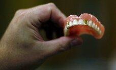 25 metų vaikinas neteko visų dantų - kasdien išgerdavo po 8 litrus kokakolos