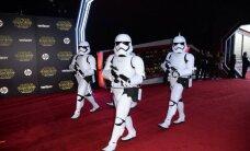 """Filmo """"Žvaigždžių karai: galia nubunda"""" recenzija: masiniam žiūrovui pataikaujantis variantas"""