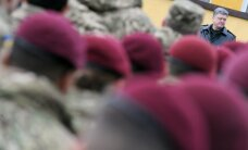P. Porošenka: jei reikės, šalis labai greitai pereis į karines vėžes