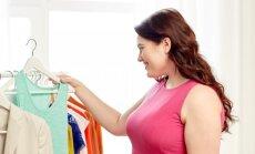 5 drabužių variantai turinčioms išraiškingą krūtinę
