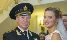 84-erių Rusų aktorius Ivan Krasko vedė beveik 60 metų jaunesnė sužadėtinę