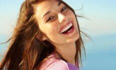 mergina, laiminga, šypsena
