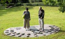 Elisabetta ir Fabio lanko KTU žmogaus šešėlio saulės laikrodį