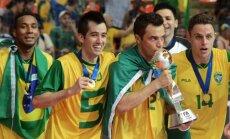 Gavus teisę rengti pasaulio salės futbolo čempionatą, Lietuvoje apsilankytų tokios žvaigždės kaip legendinis Falcao (su taure).